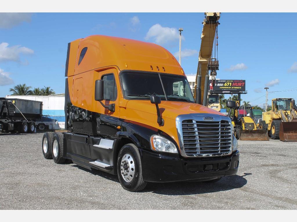 2014 Freightliner_Truckers Post_1206_1