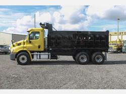 2011 Freightliner Dump Truck_Yellow_Truc