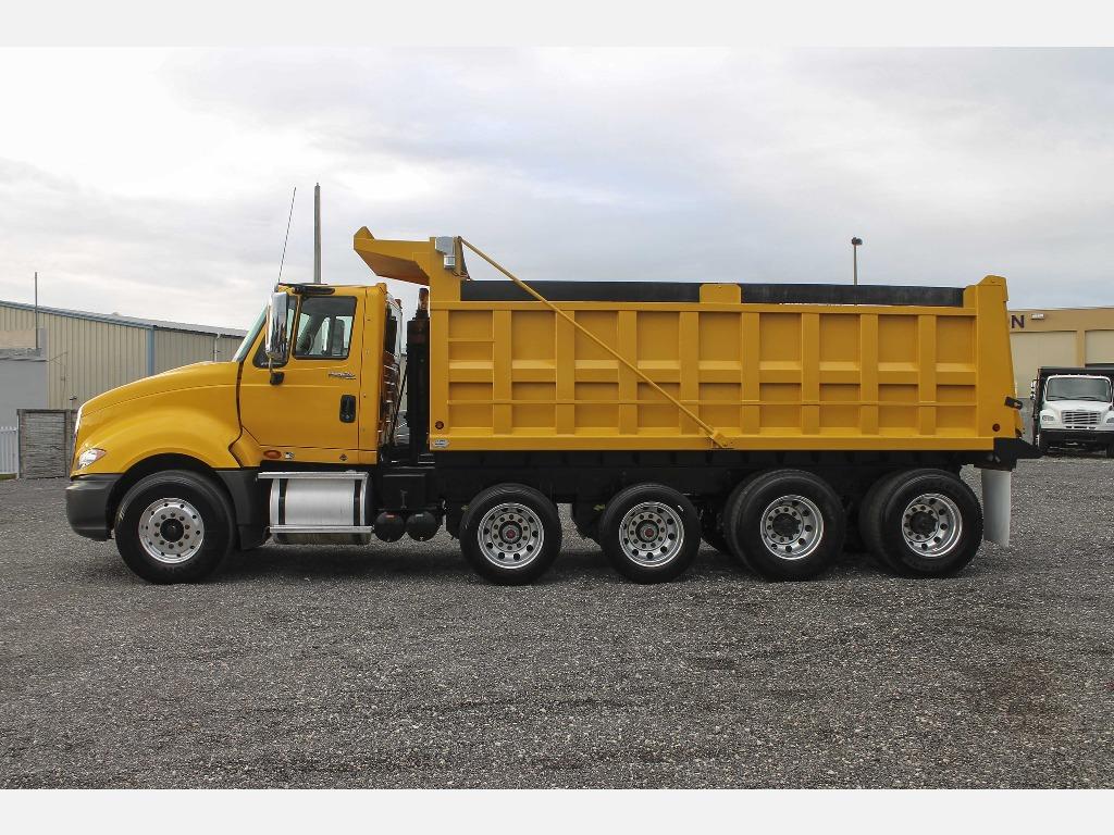 2011 Yellow International Prostar Dump T