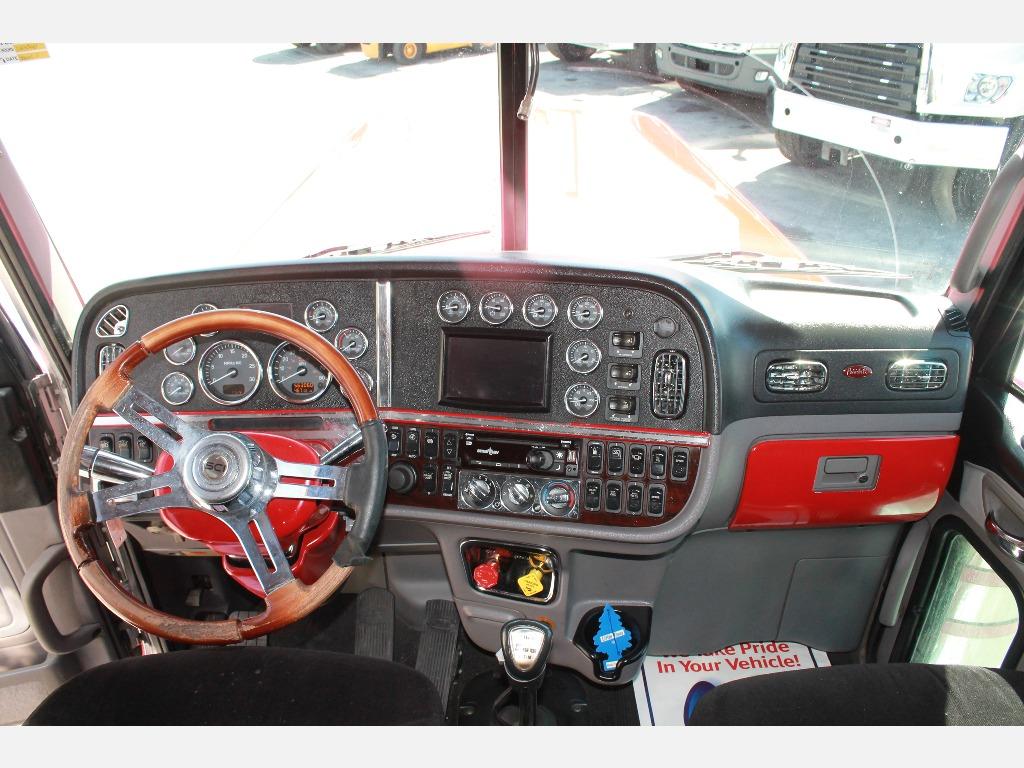 2016 Peterbilt_Truckers Post_1210_3