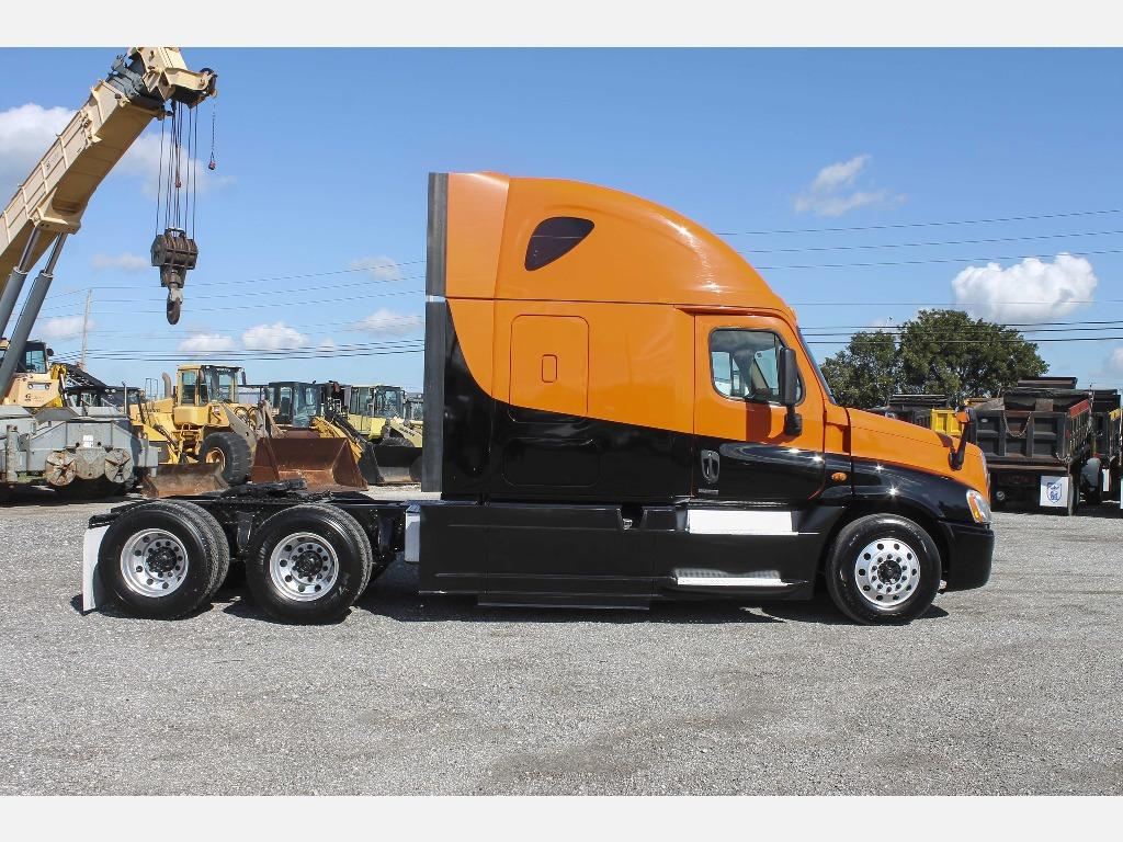 2014 Freightliner_Truckers Post_1206_2