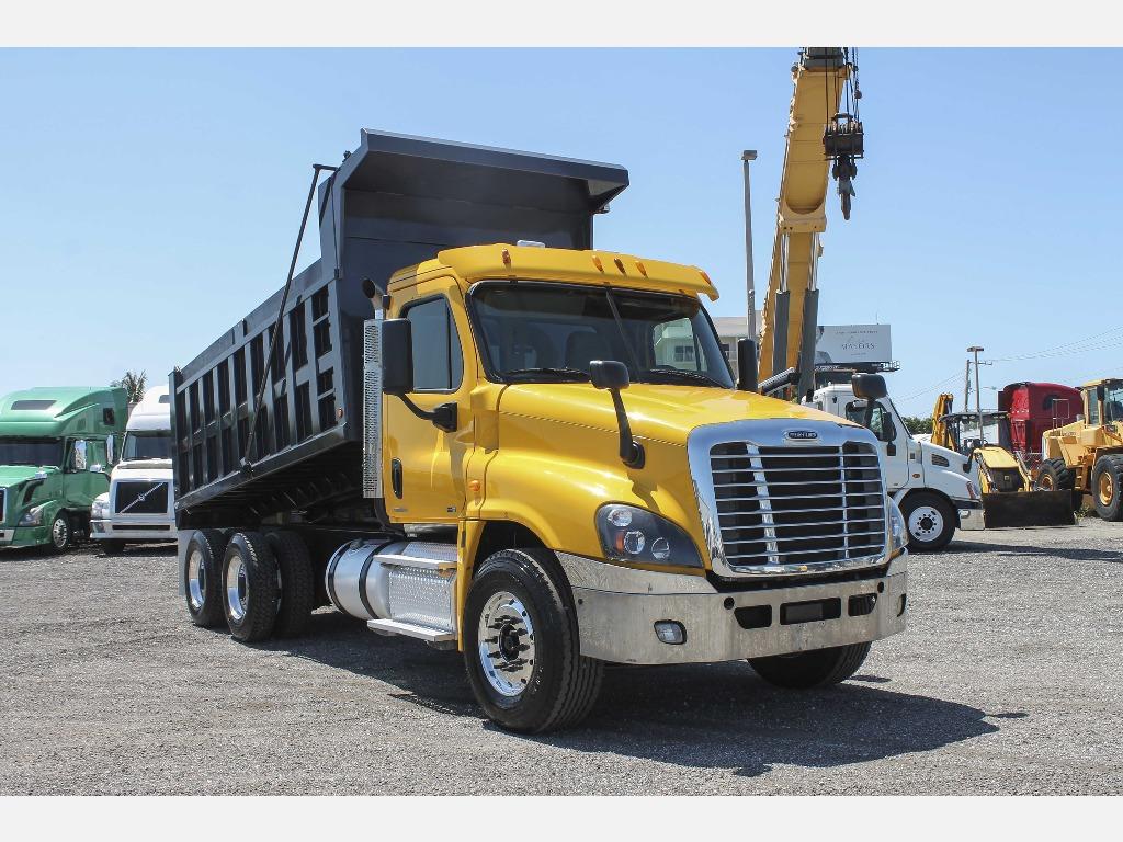 2012 Freightliner Dump Truck Yellow_Truc