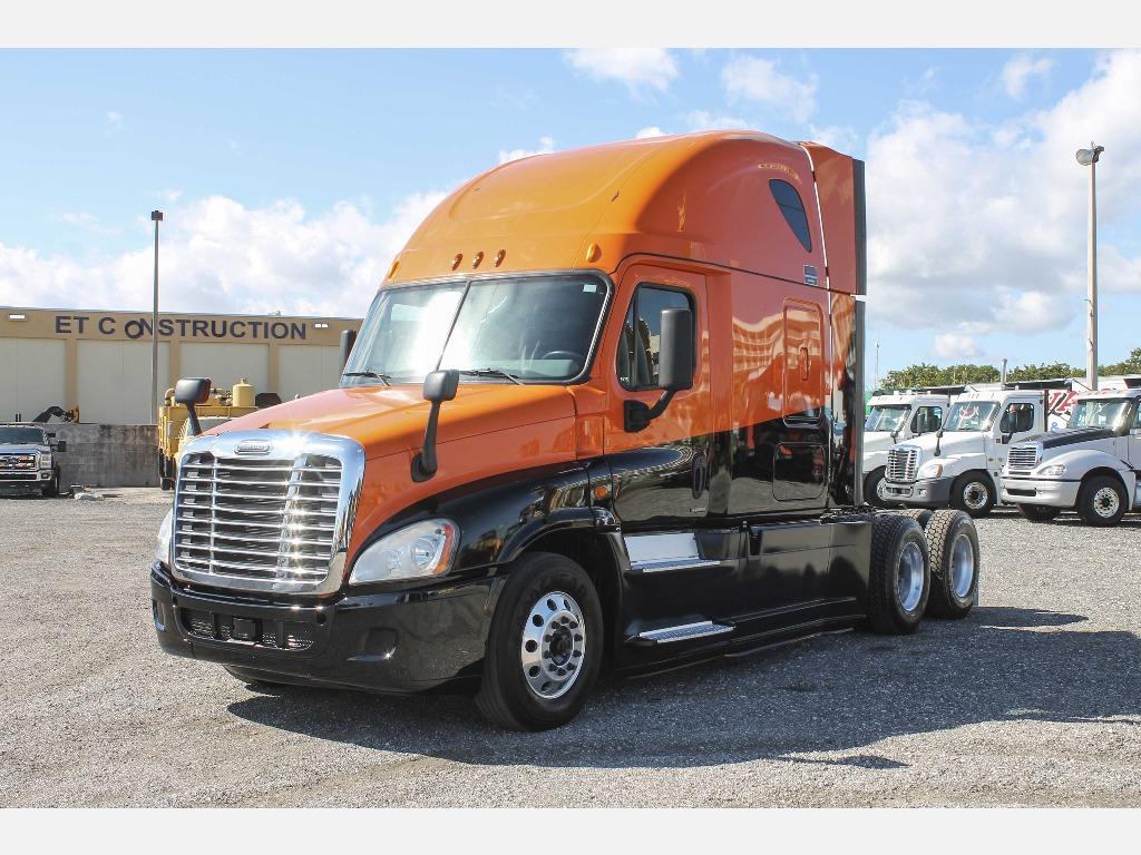 2014 Freightliner_Truckers Post_1206_4