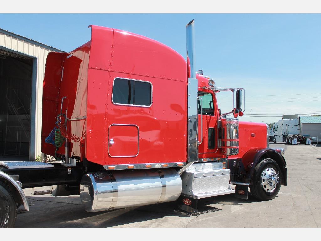 02016 Peterbilt_Truckers Post_1210_10