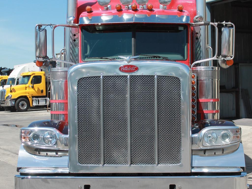 2016 Peterbilt_Truckers Post_1210_2