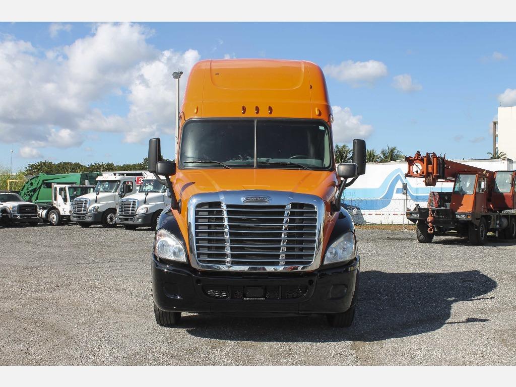 2014 Freightliner_Truckers Post_1206_5