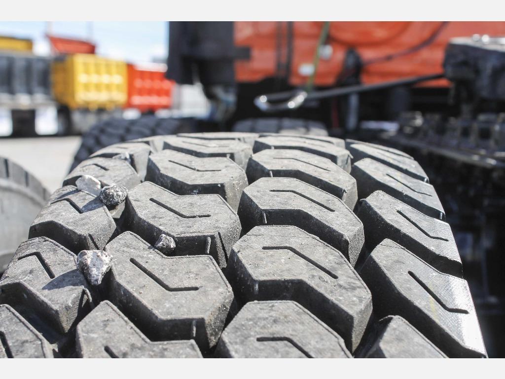 2014 Freightliner_Truckers Post_1206_9