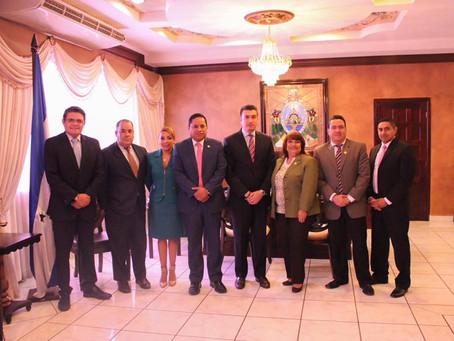 Junta Directiva Nacional del Colegio de Abogados de Honduras se reunió con el Presidente de la Corte