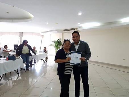 Entrega de Diplomas Segundo Modulo curso de Ingles. #ConfiaentuColegio #UnNuevoRostro #2017.