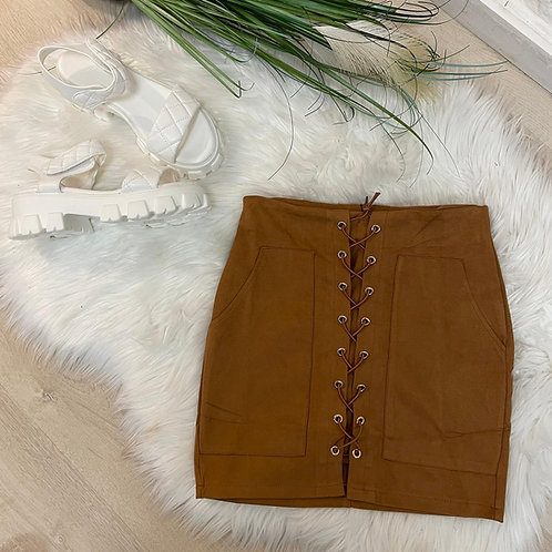 Mini jupe daim camel  à lacet