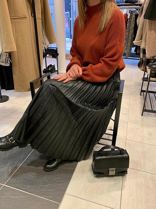 Longue jupe plissée simili cuir