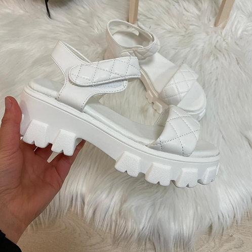 Sandales matelassées blanches