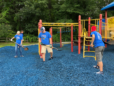 1073 Supports Elementary School with Volunteer Hours