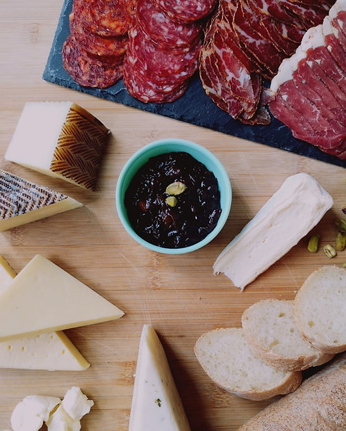 * PRÉCOMMANDE * Boîte charcuterie, fromage du Québec et oignon caramélisés