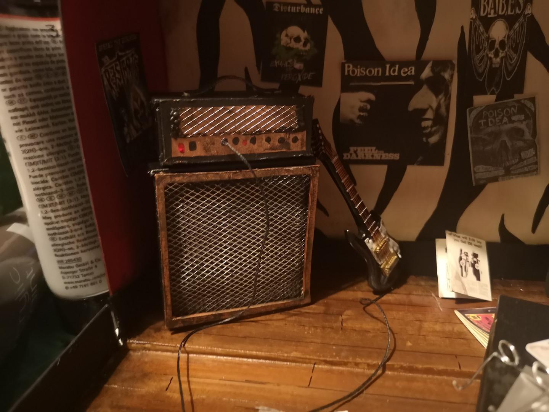 Miniature guitar amp and guitar