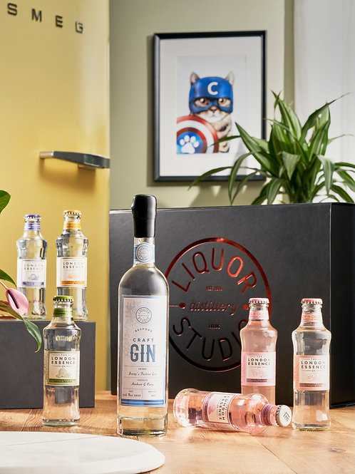 STUDIO Gin with 6 London Essence Mixers & Gift Box