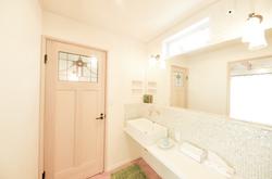 洗面所も塗ると湿気対策になる。