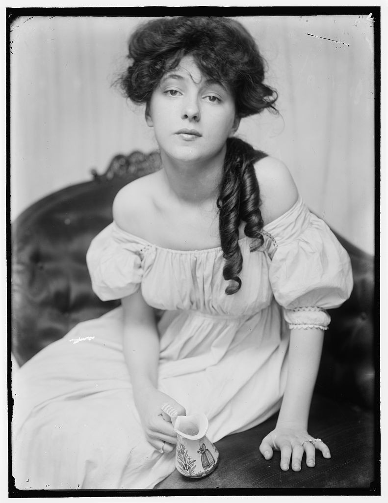 Episode 11 // Sex, Lies, and Murder: Evelyn Nesbit, Stanford White, and Harry Thaw