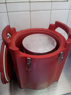 Hot Box Vermelho Aberto