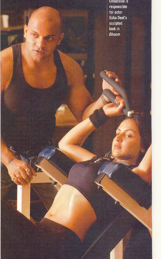 TRAINING ESHA DEOL FOR DHOOM
