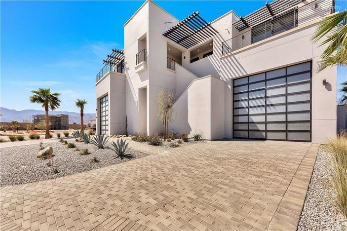Luxury villa in the Thermal Club Califoania Real Estate