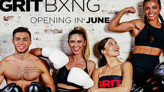 Tony Robbins and Pitbull to Open New Boxing Studio Chain