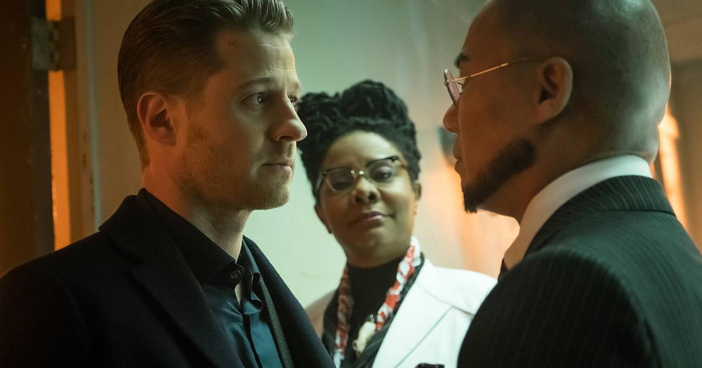 "Jim Gordon (Ben McKenzie) goes up against Professor Hugo Strange (B.D. Wong) in the second season of ""Gotham"""