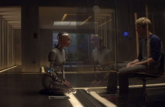 Ex Machina: A Thoughtful and Thrilling Science-Fiction Tale (Blu-ray)