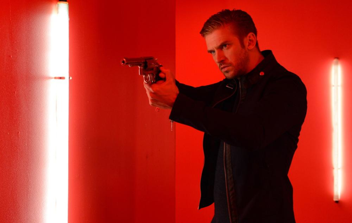 The Guest: A Forgettable and Sloppily Executed Thriller (Blu-ray)