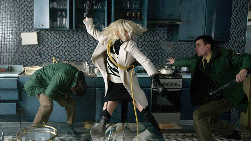 """Charlize Theron kicks some ass in """"Atomic Blonde"""""""