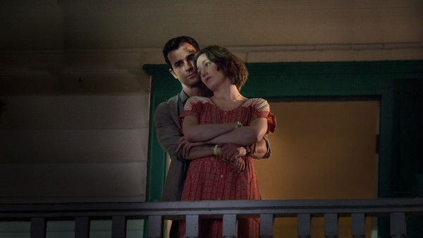 """Justin Theroux and Carrie Coon in """"The Leftovers"""""""