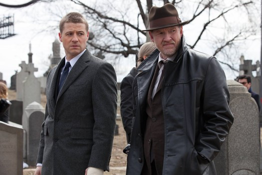 "Ben McKenzie and Donal Logue in ""Gotham"""