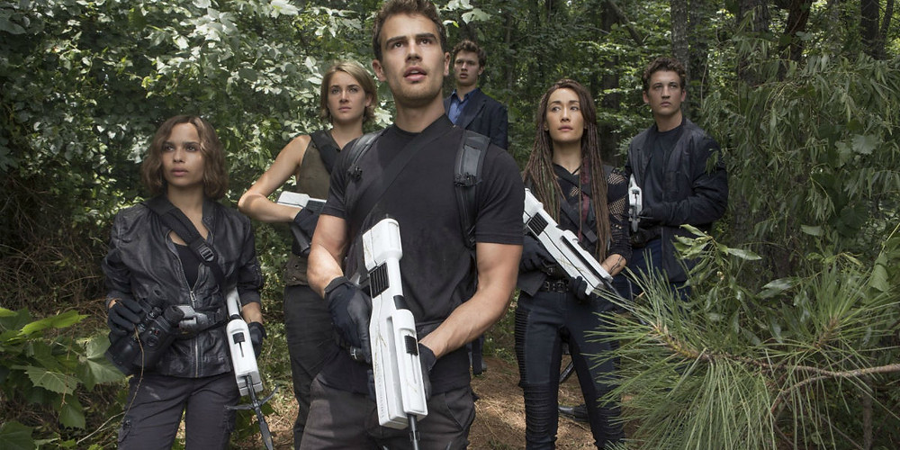 """Tris (Shailene Woodley), Four (Theo James), and friends explore the world outside Chicago in """"The Divergent Series: Allegiant"""""""