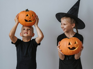 ENMU Social Workers Host Pumpkin Carving at Children's Home