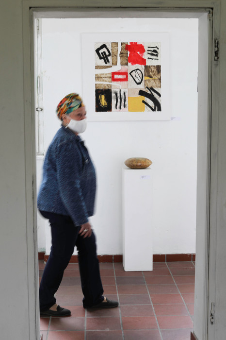A visitor at an exhibition in germering