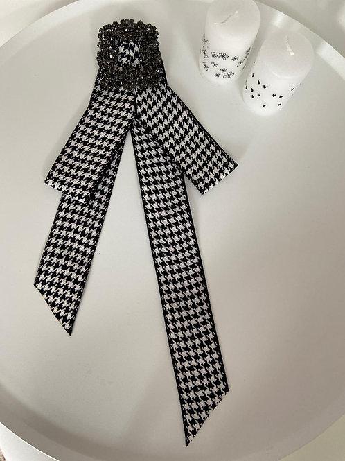 Brosche black / white long