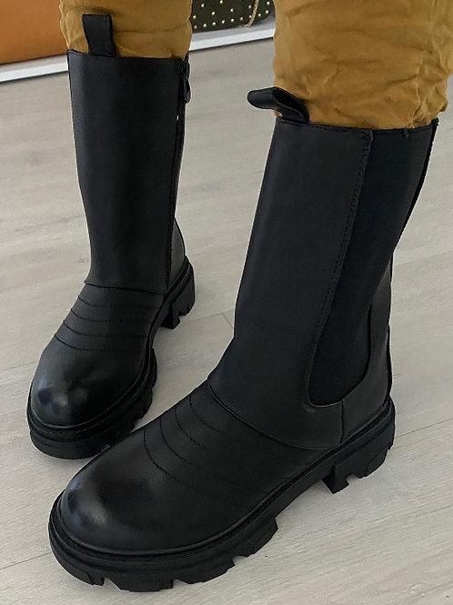 "Boot ""Rowdy"" Schwarz"