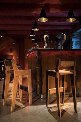 chaises-et-lampes.jpg