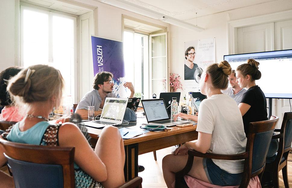 vorstand-meeting-2.jpg