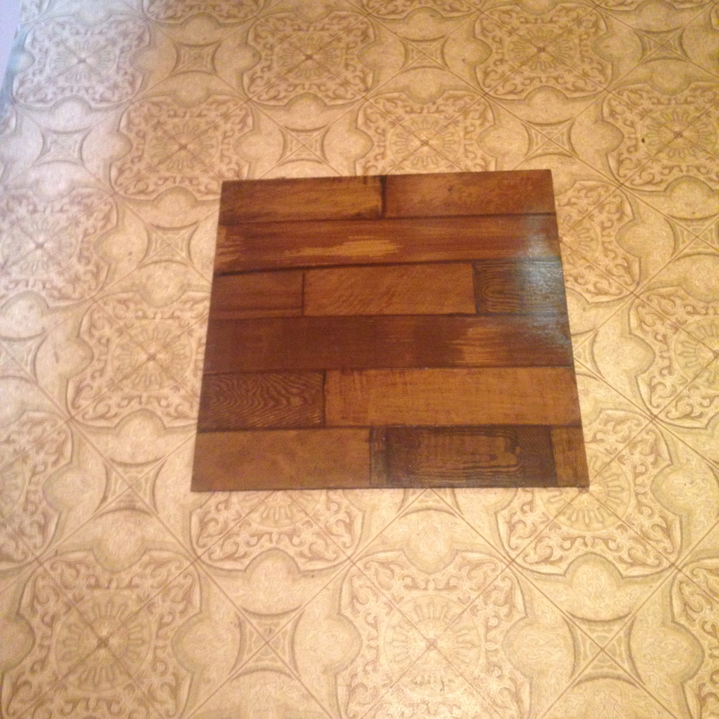 Feux wood grain floor