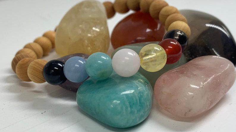 Bracelet perle de cristal • chakra healing • bois de santal