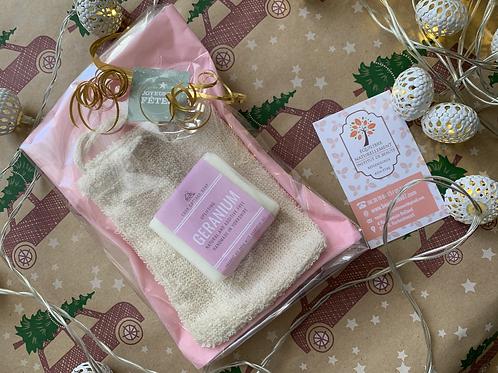 Savon BIO au geranium & sac à savon