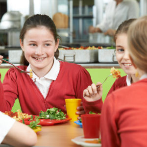 children eating lunch.jpg