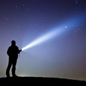 Líderes com valores são os que carregam a lanterna em tempos escuros