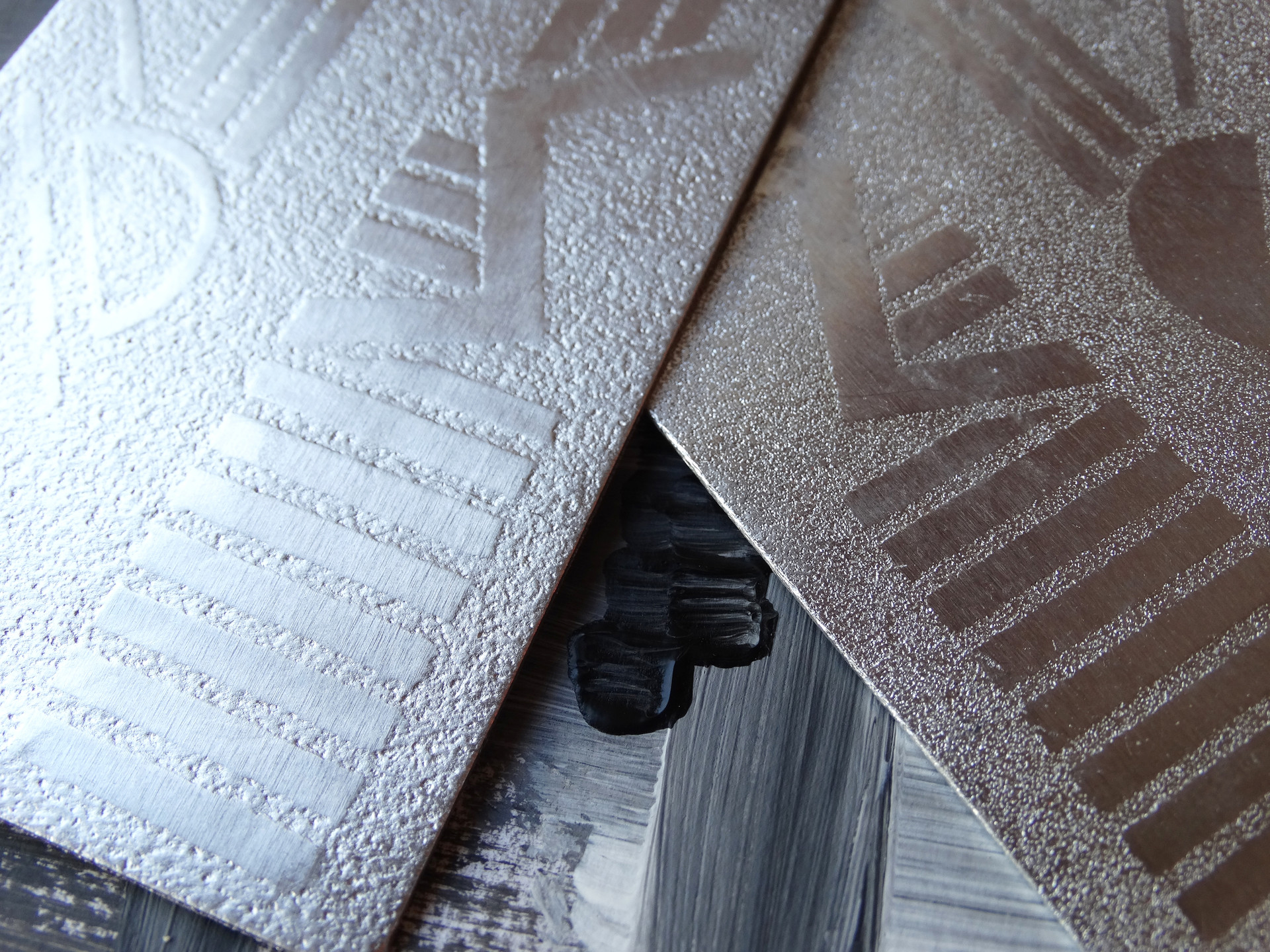 textured-effect metal surface with geometric pattern