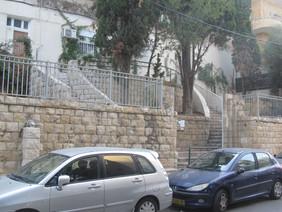 גרם מדרגות מפואר בהלל 47