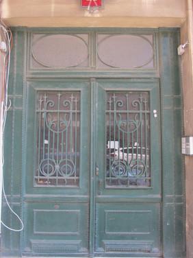 דלת כניסה ברחוב יפו