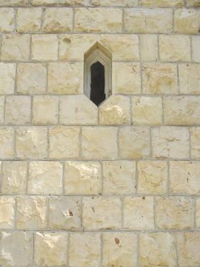 חלון בצורת משושה