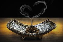 incense-2042096_1920.jpg