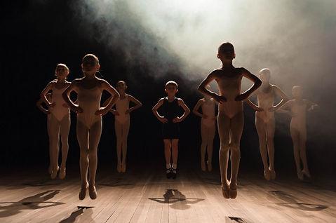 happy-children-doing-ballet_104603-866.j
